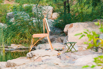 Travel easel in the park