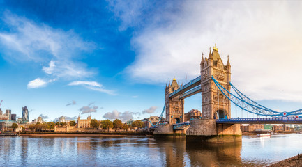 Staande foto Bruggen London cityscape panorama with River Thames Tower Bridge and Tower of London in the morning light