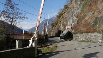 Passaggio a livello ferrovia di montagna