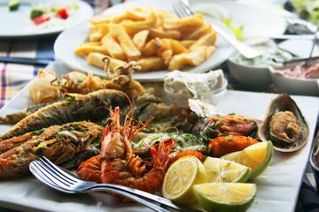 Photo sur Aluminium Chypre Traditional fish meze