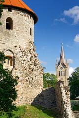Burg und Kirche des Heiligen Johannes in Cesis, Lettland