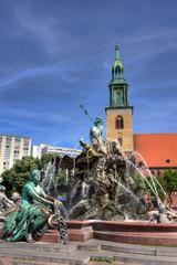 Neptunbrunnen und Marienkirche in Berlin Mitte