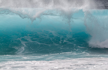 Breaking wave on ocean, Oahu, Hawaii, USA