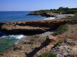 Alcossebre o Alcocebre, población de costa y playa perteneciente, junto con Capicorp y Las Fuentes, al municipio de Alcalá de Chivert en la provincia de Castellón (España)