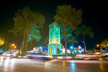 Traffic on Markar square in Yazd