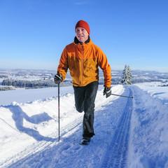 dynamisch Walken im Schnee