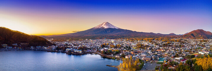 Fotobehang Japan Fuji mountain and Kawaguchiko lake at sunset, Autumn seasons Fuji mountain at yamanachi in Japan.