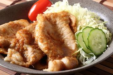 豚肉の生姜焼き Sauteed pork with ginger sauce