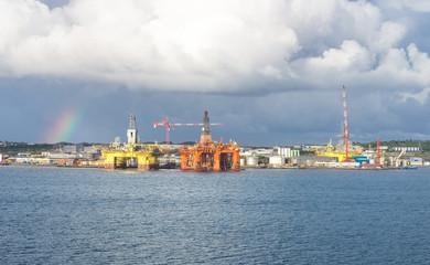 Bohrplattformen in der Werft in Norwegen