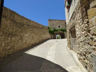 Castillo de Puertomingalvo. Pueblo en Parque Cultural del Maestrazgo en la comarca de Gúdar-Javalambre, en la provincia de Teruel en Aragón, España
