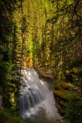 Keuken foto achterwand Bos in mist Waterfall in Johnston Canyon, Banff National Park, Canada