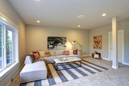Light entertainment/game room design