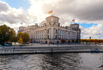 Famous Reichstag building in Berlin, Germany Europe, day foto.