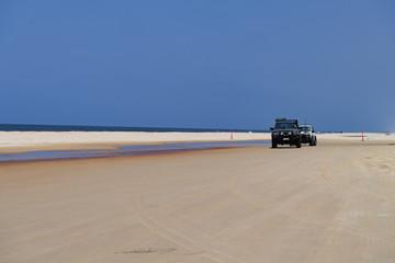 Insel-Sandpiste für Allradfahrzeuge auf Fraser Island
