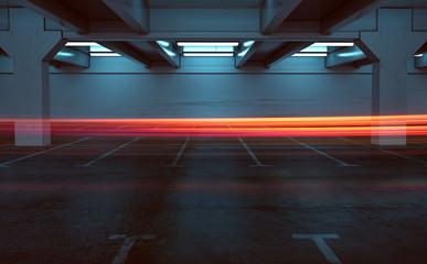 Parkhaus Langzeitbelichtung mit Rückscheinwerfern (Leuchtspur)