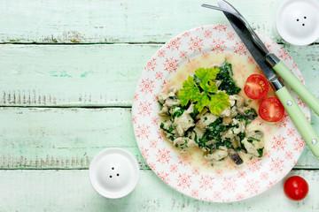 Chicken spinach cream sauce stew dish
