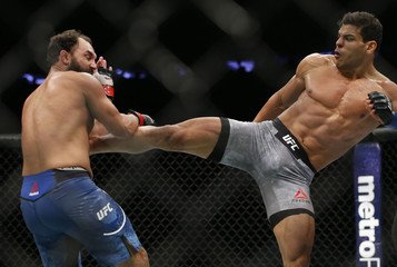 MMA: UFC 217-Hendricks vs Costa