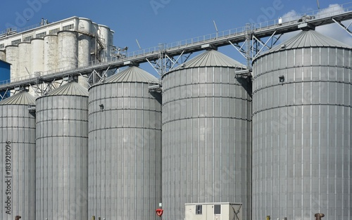 silos per lo stoccaggio di oli vegetali e altri prodotti liquidi