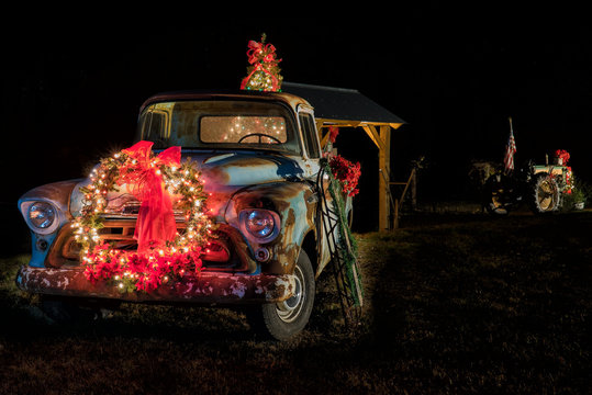 Country Christmas truck and tractor lights