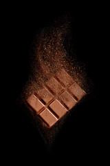Schokolade und Kakaopulver Freisteller