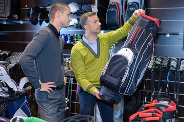 buying a golf bag