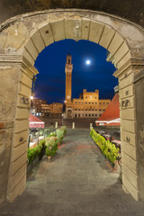 Fototapete - Piazza del Campo in the historic center of Siena, Tuscany, Italy