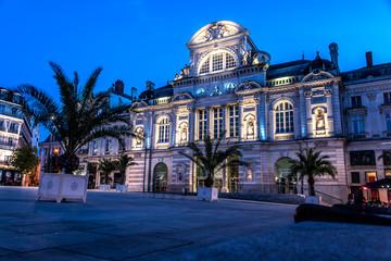 Grand Théâtre d'Angers de nuit, Place du Ralliement