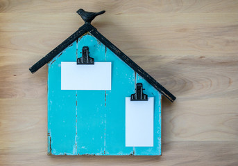 memo board shaped like a barn with 2 blank areas for customized message