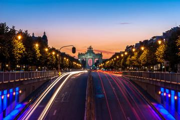 Fototapeten Brussel Arche du cinquantenaire depuis Tervuren