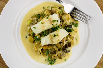 Skillet Braise Cod with Mustard and Leeks