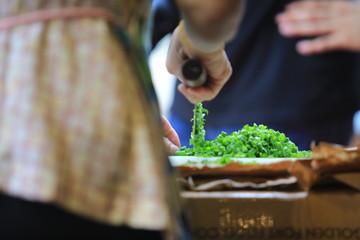 food, cutting chinese scallion
