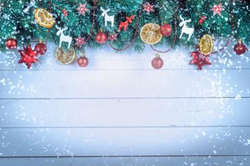 Weihnachtlicher Hintergrund auf Holz