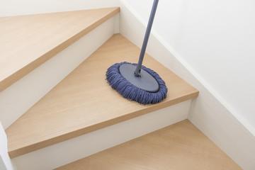 新築住宅の階段 掃除