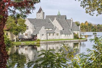 Castillos y lagos