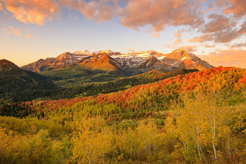 Autocollant pour porte Orange eclat Autumn sunrise in the Wasatch Mountains, Utah, USA.