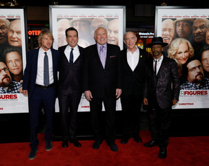 "Cast members Wilson, Helms, Bradshaw, Simmons and Williams pose at the premiere for ""Father Figures"" in Los Angeles"
