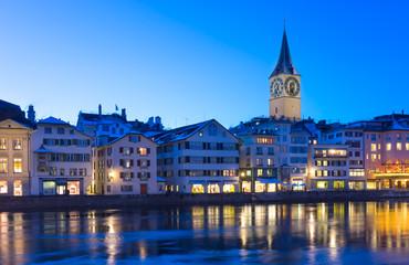 Weihnachtliche Beleuchtung in der Altstadt von Zürich