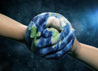 Hände Erde