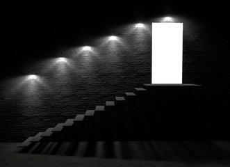 Porta aperta di uno scantinato con gradini che portano al pavimento