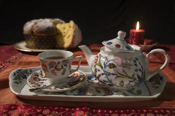 Colazione con tè e panettone