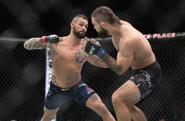 MMA: UFC Fight Night-Winnipeg-Ponzinibbio vs Perry