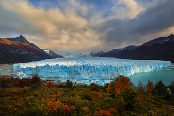 Keuken foto achterwand Gletsjers Perito Moreno glacier is considered the eighth wonder of the world because of the spectacular view it offers. One of the many glaciers that form the Los Glaciares National Park. Patagonia, Argentina
