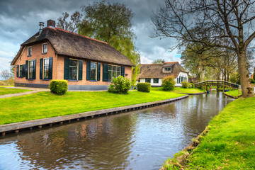 Renowned old dutch village with thatched roofs, Giethoorn, Netherlands, Europe