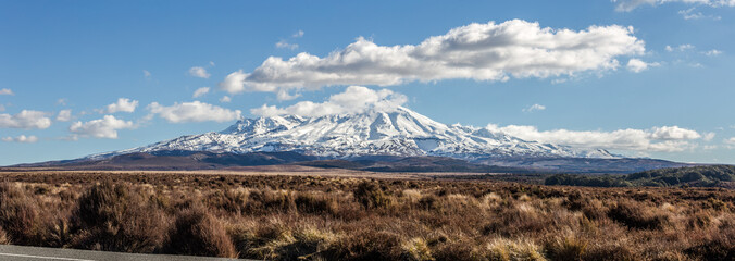 Zelfklevend Fotobehang Diepbruine Mount Ruapehu