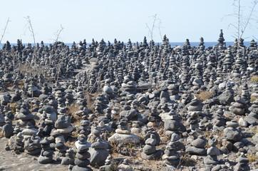 Pierres de Zen, empilées sur la plage de Puerto de la Cruz, île de Ténérife