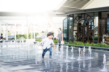 playing fountain