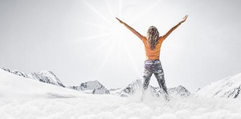 Schneelandschaft mit Frau