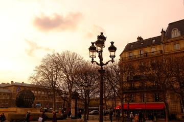 Au coin de la rue de Paris