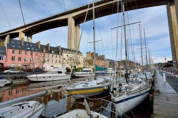 Fotorolgordijn Poort Le port du Léguer à Saint-Brieuc en Bretagne