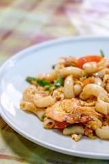 Macaroni, shrimp